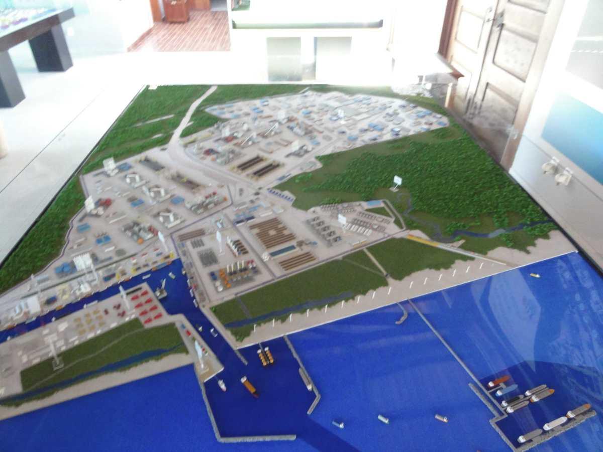 um complexo industrial agregando logística e produção. Projeto de #2844A3 1200 900